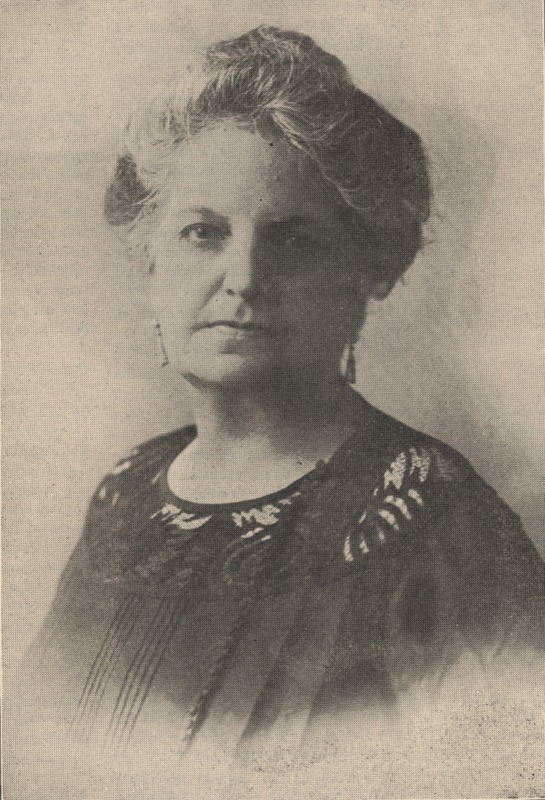 Dr. Julia Martinez